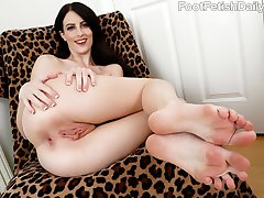 Alex Harper thinks it will be fun to have her boyfriend dress up like a fool for Halloween while she is a sexy vampire. He decides to even the game up and fuck her like crazy before. He can't get enough of her feet in her shoes and gets so turned on that he has to cum all over her toes.
