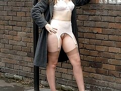 Jess flashing out and about on the streets of London!