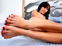 April is half Mexican with size 5.5 feet, and Marlena is half Chilean with size 6 feet. April...