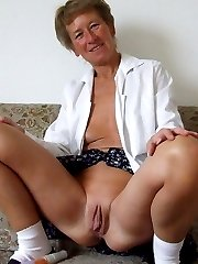 Frisky amateur housewife getting naughty