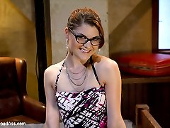 Sinn Sage seduces rich girl Lux Leota at the bar and lures her back to a motel room in San...