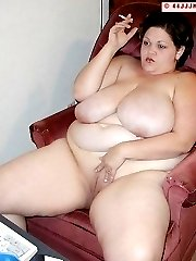 Busty BBW Kim smokes and toys on her cam