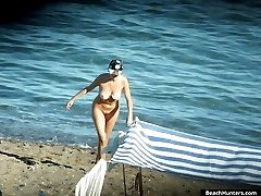 Full of sun voyeur report from overheated nude beach
