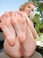 Rachel James has been working out, but her boyfriend wants her toes. He loves to lick her feet...