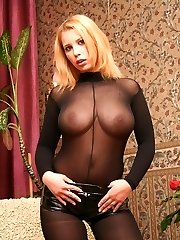 Selene gives her viewers an unforgettable anal experience as she does the threesome with her two...