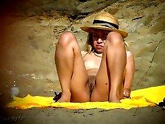 Beach spy eye - voyeur photos