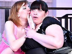 Lez-curious lass gets dildo fucked and tastes a ripe muff of a mature fatty