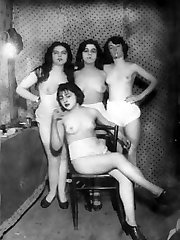 Naked vintage girl pictures