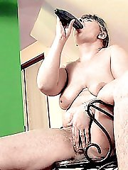 Mature plumper filling her hungry hole with a cucumber