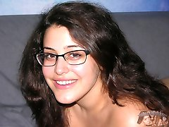 Amateur Brunette Chubby Glasses Wearing Girl - Bella Model