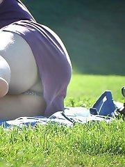 Babe slid panty for nude nub upskirt