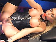 When Seth Gambles girlfriend, Kenzie Taylor, takes a job as a dominatrix, their relationship...