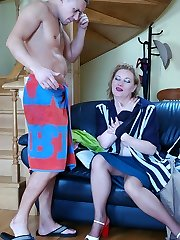Just from the shower a guy ready for fucking games with a pantyhosed mom