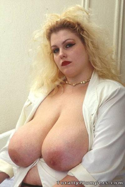 Blonde BBW beauty Rock Rose has huge tits