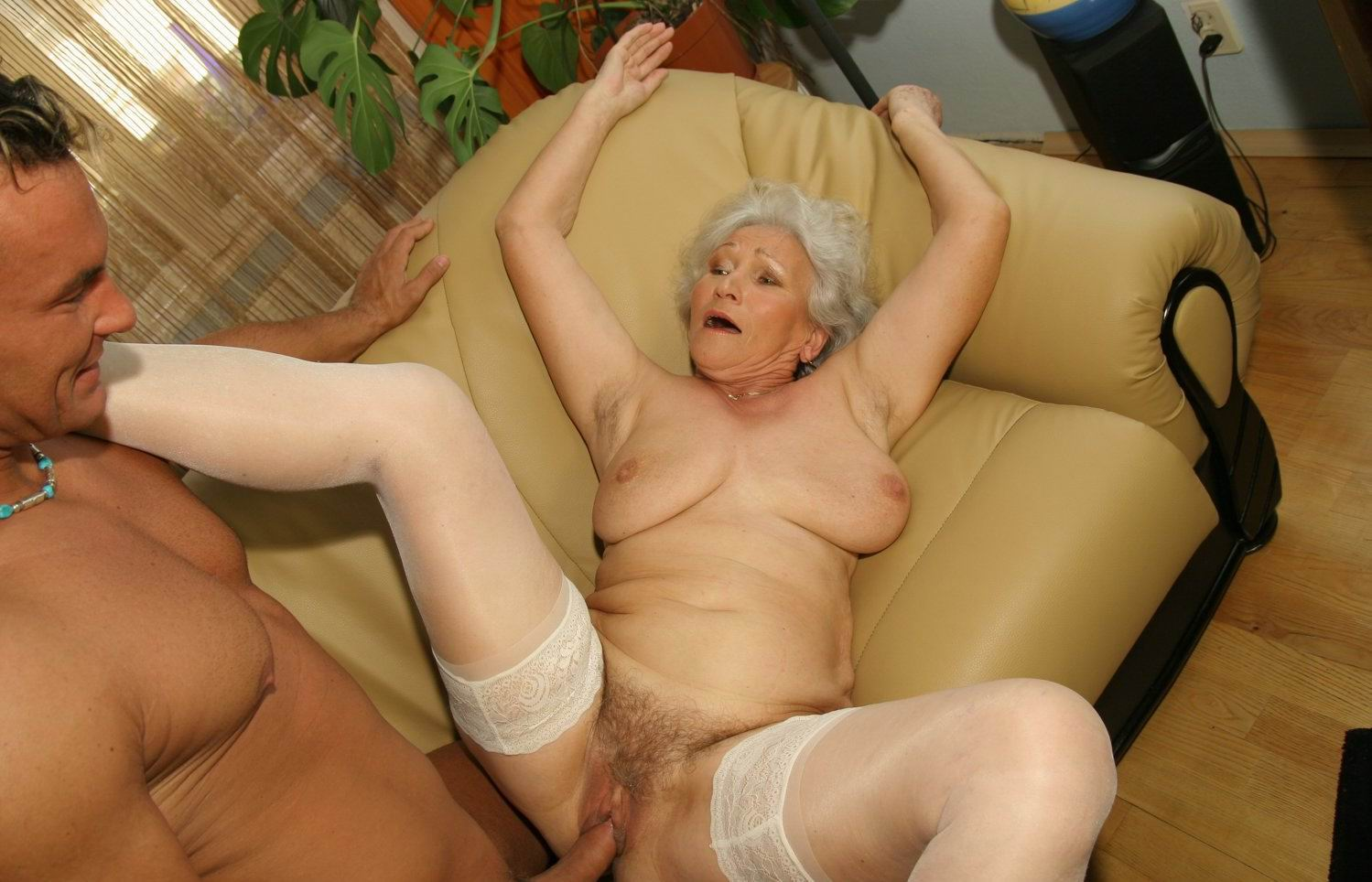 Milf Fucks Young Guy Homemade