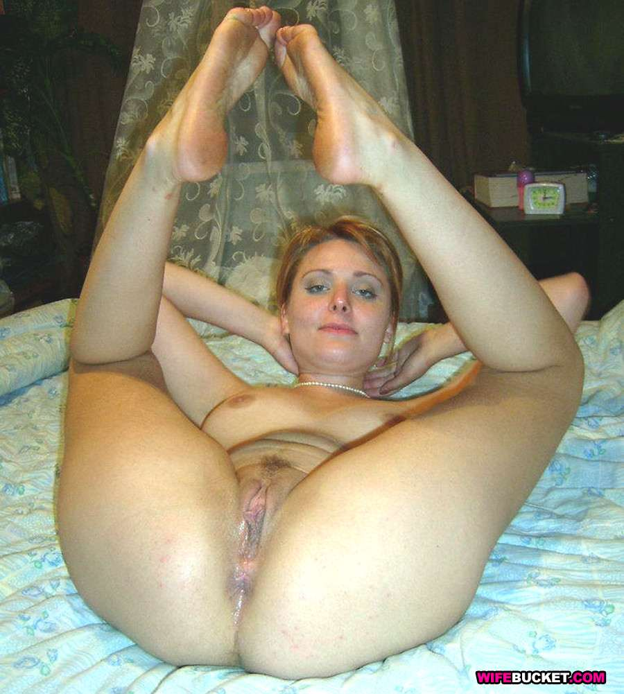 Amateur Wife Spread Legs