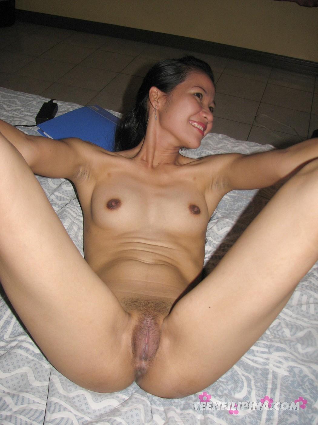 White girls wet pussy pics