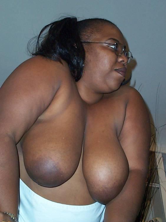 Big ass nude girl gifs