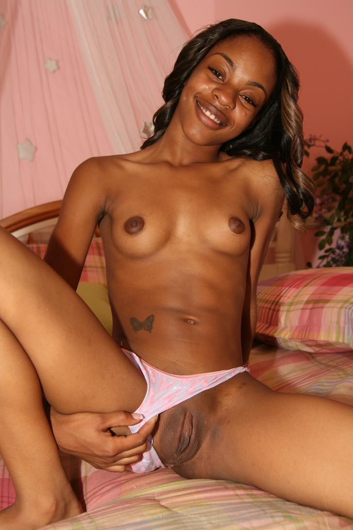 Amateur Ebony Mom Daughter