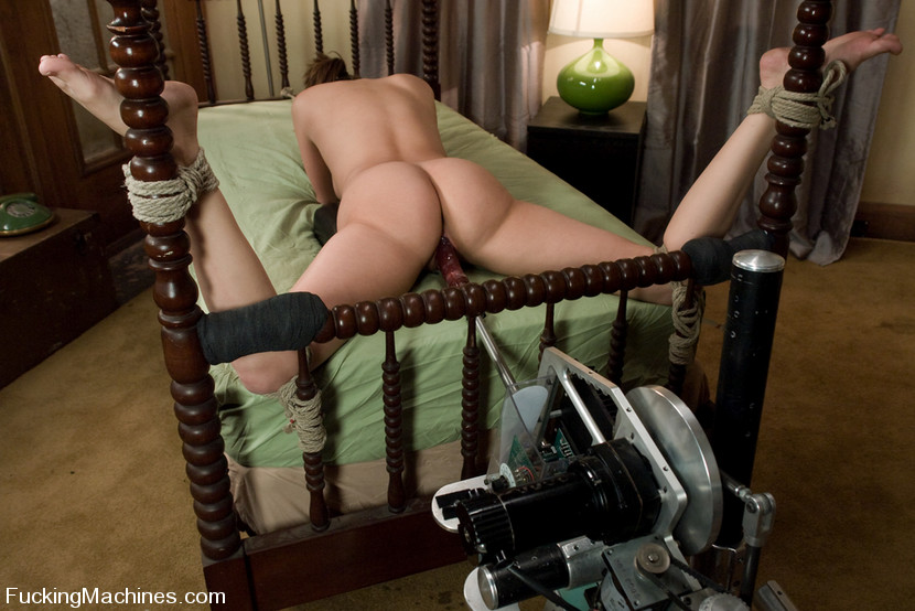 After 3 years of asking, Charlie Laine finally agrees to fuck machines -  and it was well worth the wait. Charlie is the industry sweet heart - with  her hot ...