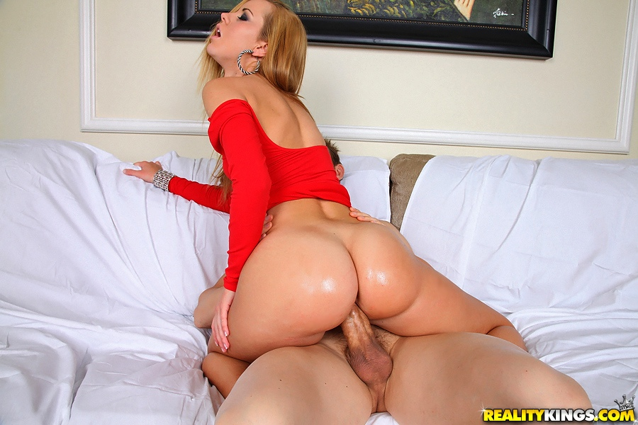 Hot Girl Gets Fucked The Ass