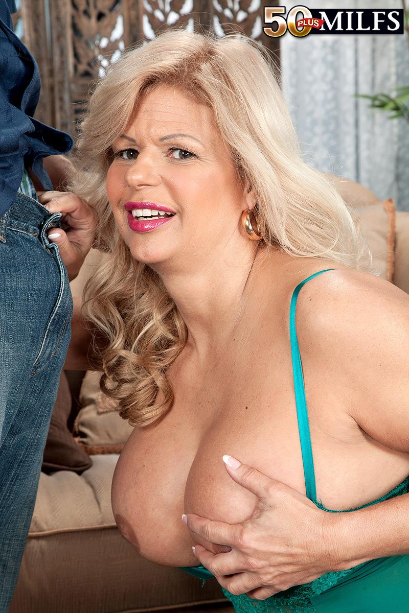 Anal busty mature Webcam