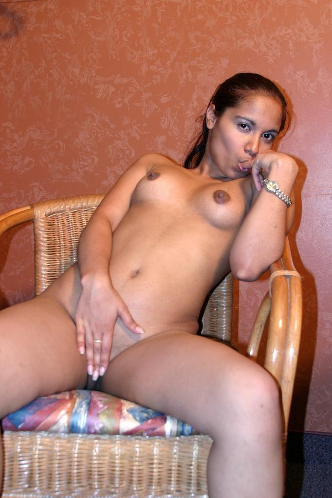 Solo Female Amateur Dildo