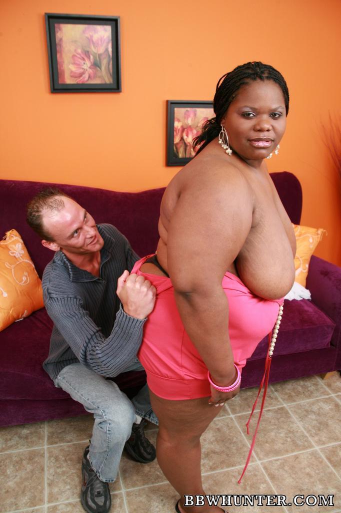 Ebony Bbw Chocolate Hottie Slurps White Dick Before Taking It In