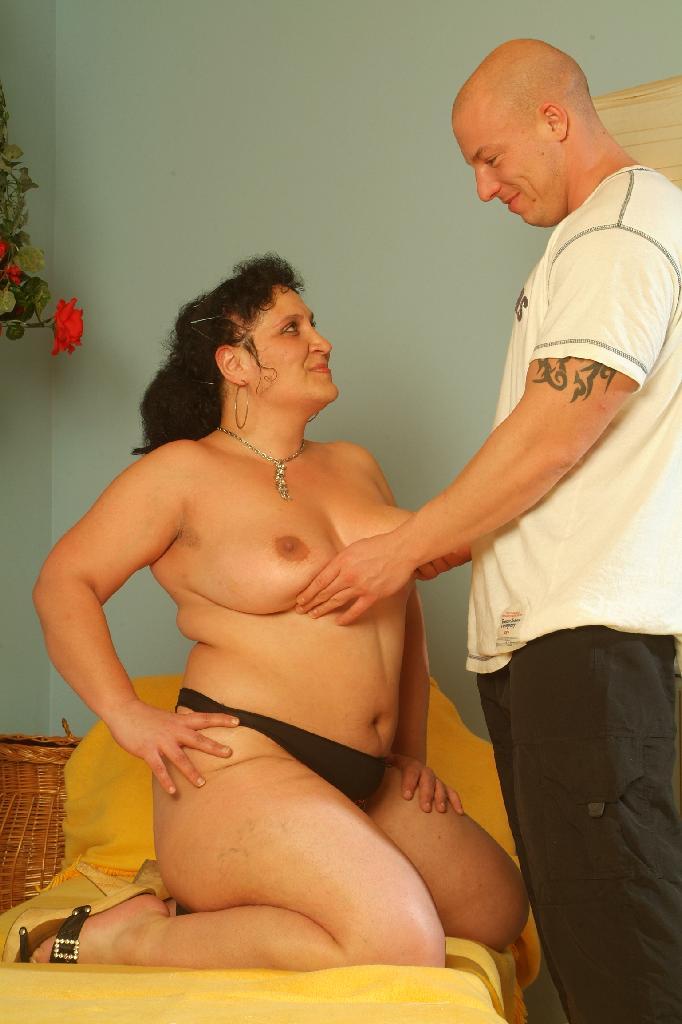 Latina having a orgasm