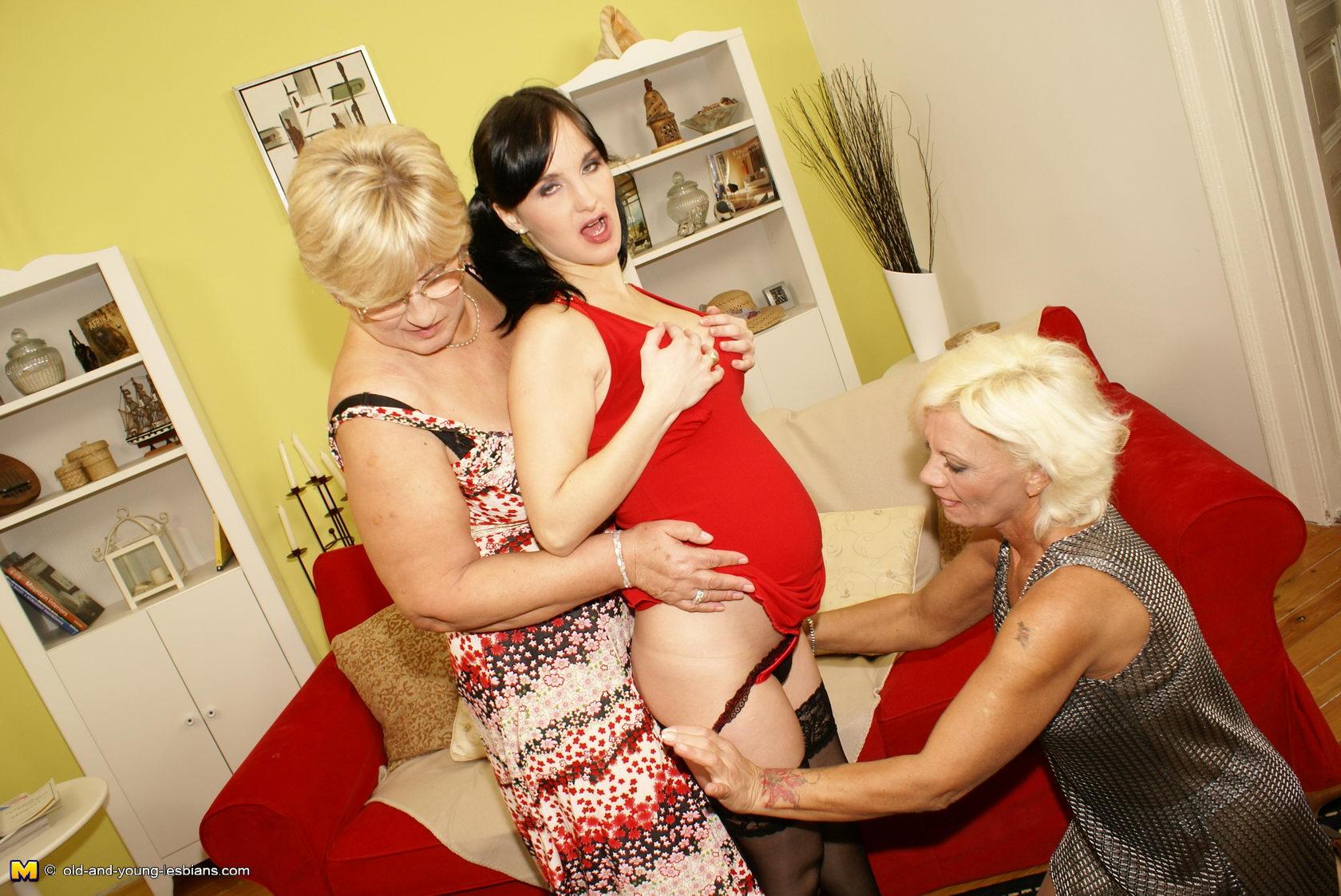 Two Blonde Lesbians Scissoring