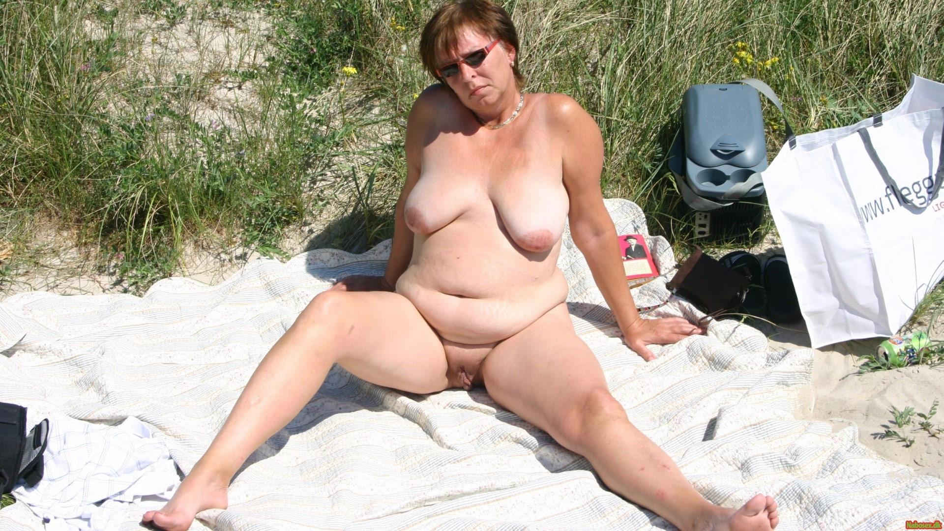 Congratulate, Plump women nude at the beach commit