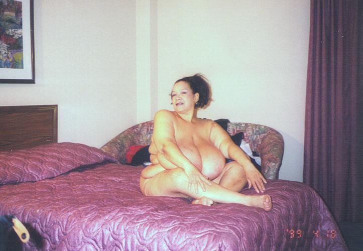 Nude women headshave
