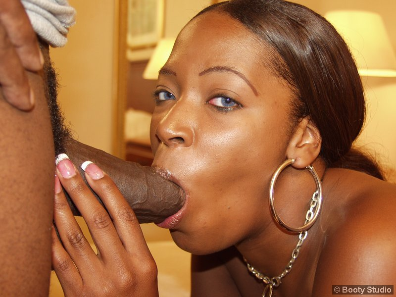 Ebony Stud Dyke Sucking Dick