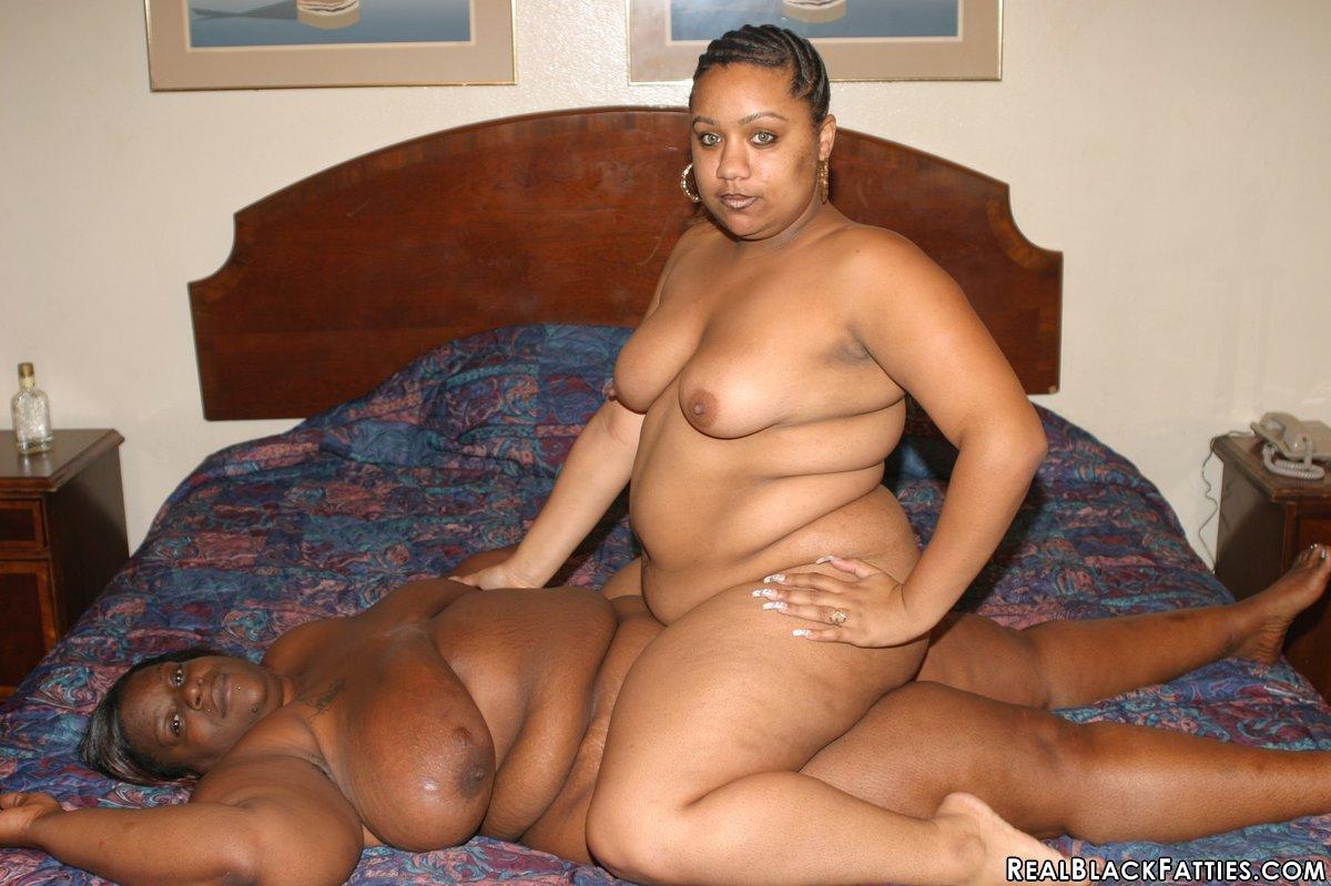 Lesbian Fat Pussy Eating