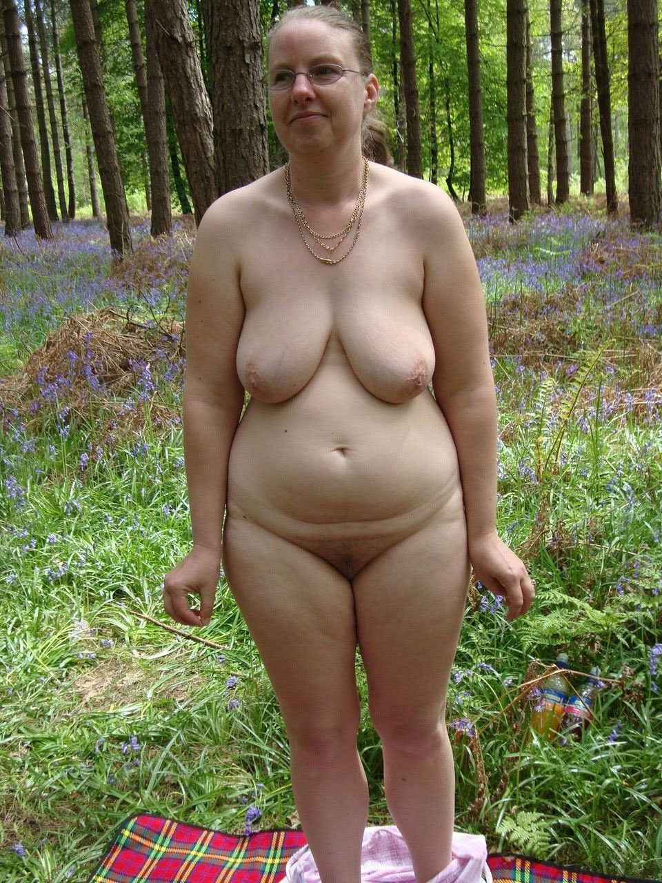 Chubby Nudist Girls - Funny and chubby young nudist girls