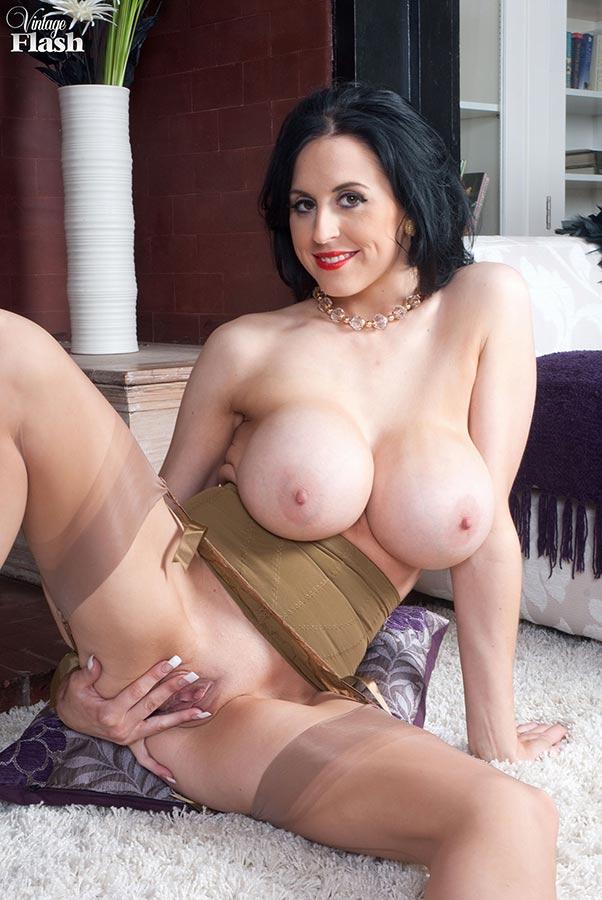 Big Tits Stocking Masturbation