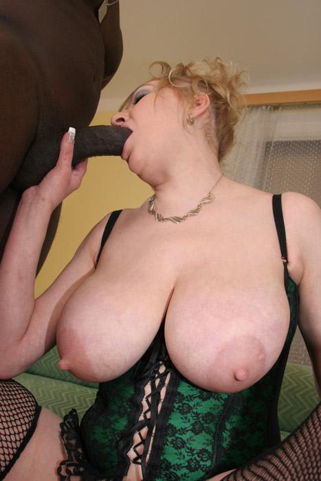 Lisa an gym nude