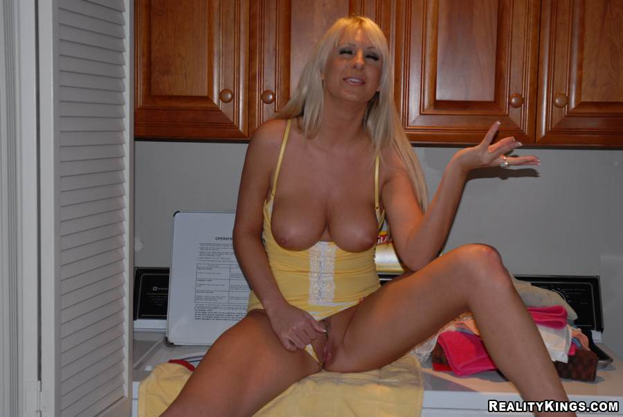 Lorna morgan sexo oral