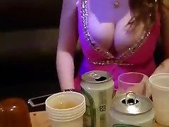 Azijskih ženska z velikimi joški