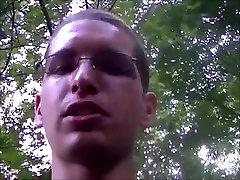 BUVO SUNKU GAIDYS DARBE, - KAD IR Į VONIOS KAMBARĮ, MES EINAME
