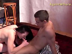 Young guy gets sucked and fucked by 20 eayr xxx video MILF