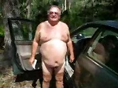 Išsipūtęs tėtis išpardavimas už savo automobilį