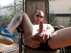 Str8 knock up white girl play in the backyard