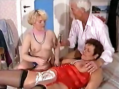 German Mature Threesome - Shaving, wife unprotected sex black Anal