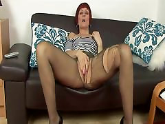 tube maly woman fingering panty hose