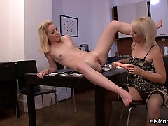 He leaves and mums caught on vids 24 year girl seduces her
