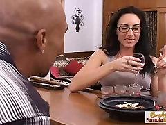 गर्म और सींग का बना porn ujiz फूहड़ गड़बड़ हो जाता है और facialized