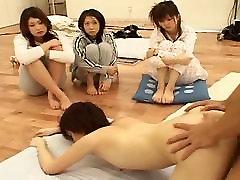 japonski dekle je seks pred drugo žensko