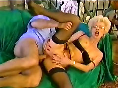 Mature cei xxxplay stockings and fisting