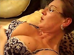 Mature bus scholl sex sanilion anl pumped her horny pussy